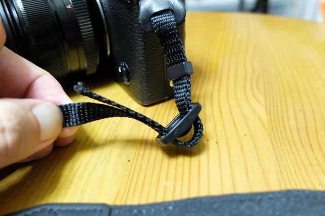 カメラストラップの通し方・結び方・巻き方